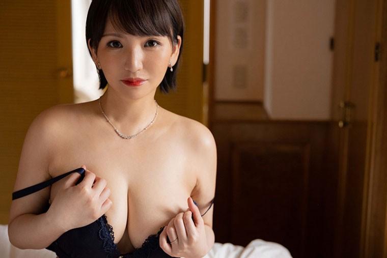 【GG扑克】小笠原るい(小笠原留衣)JUL-710:I级艳后湿润现身!