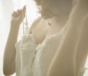 【GG扑克】女主穿着晚礼服涨奶小说 丁宛晴穆天阳洗碗做
