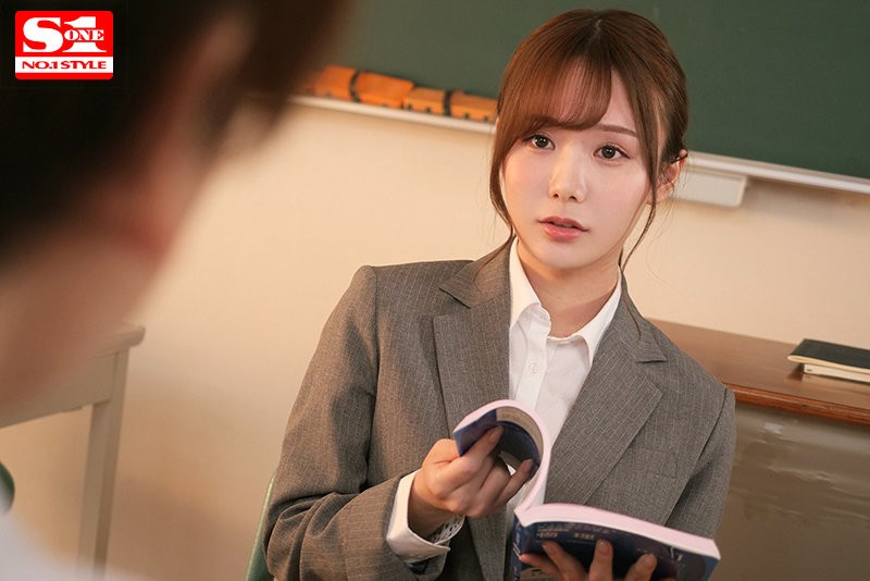 【GG扑克】miru作品SSIS-200:痴女老师的口交技术让人欲罢不能!