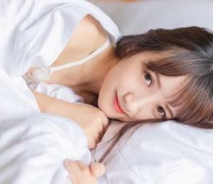 【GG扑克】精品福利大白腿在线 色情h短文小说免费